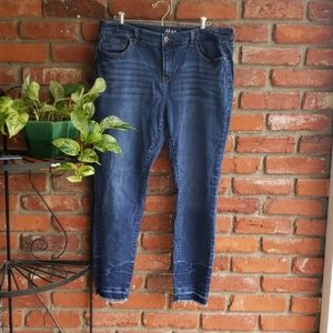 Style & Co. ANKLE CROPPED JEAN 16.